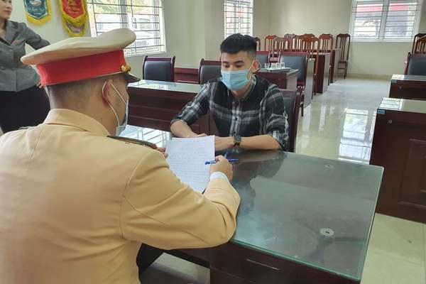 Người phóng mô tô 299 km/h trên đại lộ Thăng Long cảm thấy 'rất hối hận'
