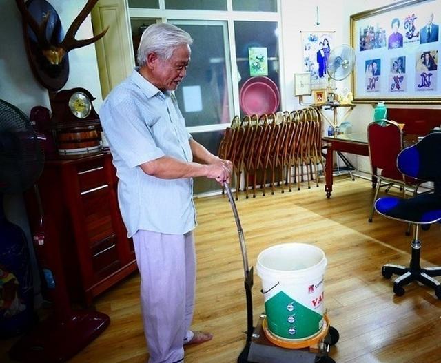 'Kho báu' tái chế từ phế thải của người đàn ông U70 ở Hà Nội