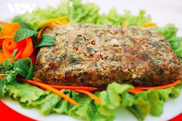 Thơm ngon thịt băm gói lá nướngcủa đồng bào Thái Tây Bắc