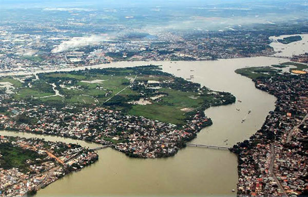 Polluted Dong Nai River basin needs co-ordinated clean-up by cities, provinces: experts