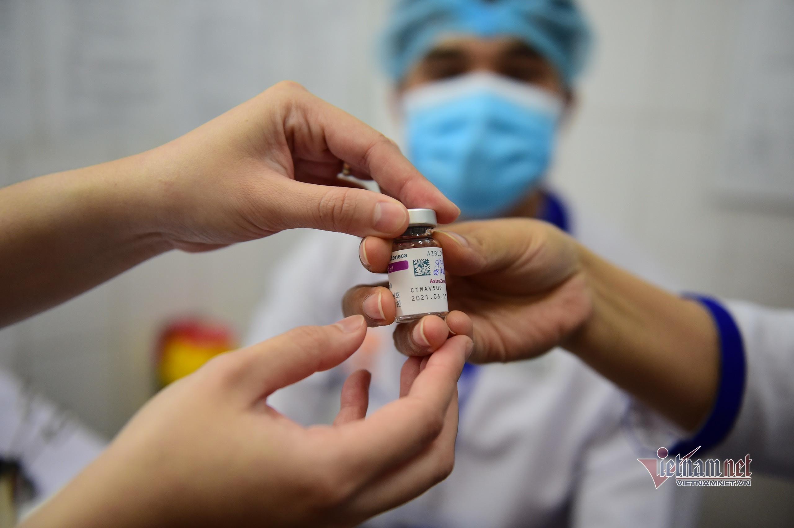 Bộ Y tế thông tin về vắc xin Covid-19 của AstraZeneca dừng tiêm ở một số nước