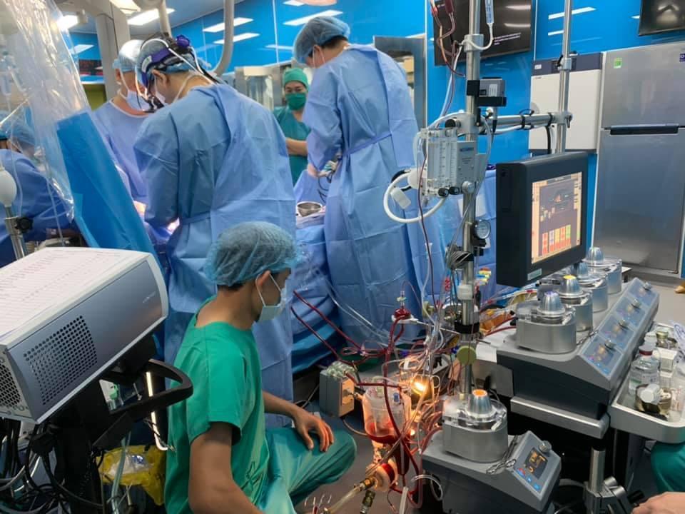Bác sĩ 'ra lệnh' tim ngừng đập, cứu sống bé gái 5 tháng tuổi