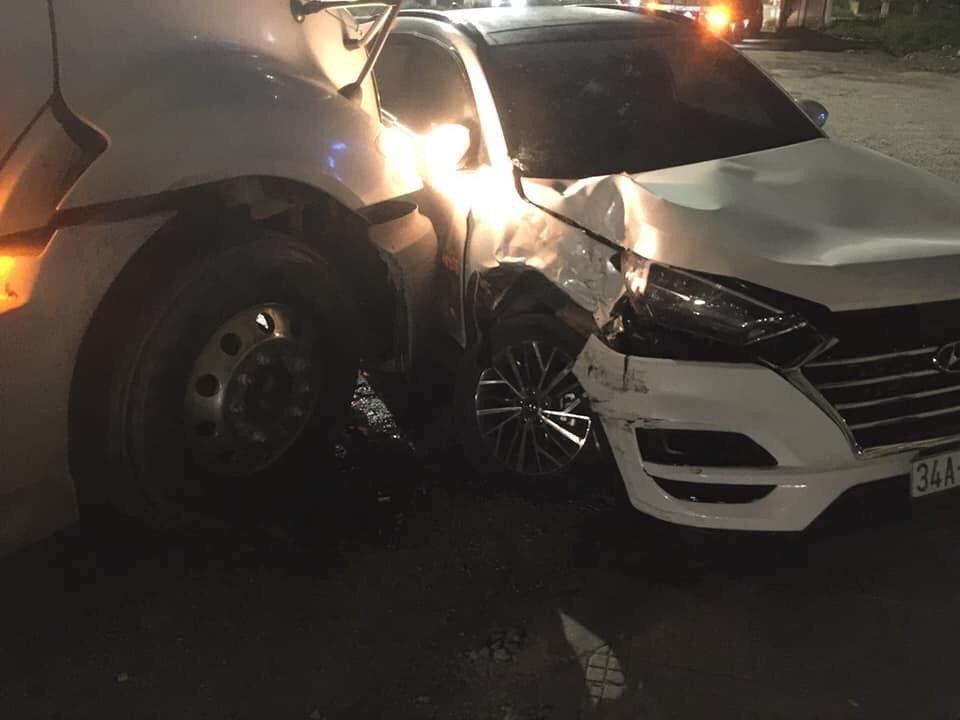 Nam thanh niên lái Hyundai Tucson say rượu, sang đường kiểu 'cảm tử' trên Quốc lộ 5