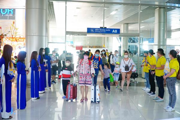 Vietravel Airlines mở đồng loạt 40 phòng vé