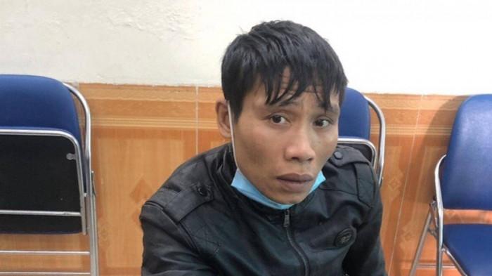 Bắt quả tang đối tượng trộm cắp trên xe buýt ở Hà Nội