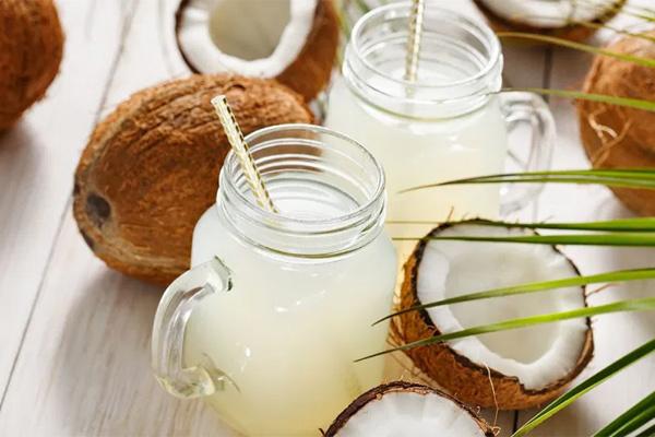 Cơ thể sẽ ra sao khi bạn uống nước dừa đều đặn