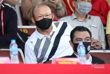 Tuyển thủ Việt Nam rủ nhau tỏa sáng, vì đâu ông Park vẫn buồn