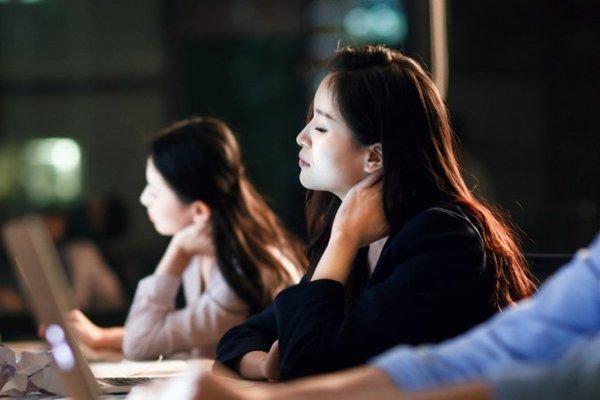 Phụ nữ Trung Quốc bị yêu cầu thử thai, khai báo số người yêu cũ khi xin việc