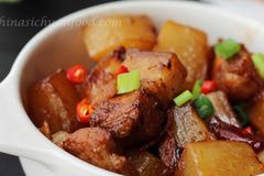 Cách làm món củ cải kho thịt thơm ngon, bổ dưỡng