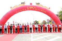 Thủ tướng cắt băng thông xe cầu Cửa Hội nối Nghệ An - Hà Tĩnh