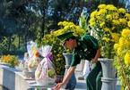 Dâng hương tưởng niệm chiến sĩ hy sinh ở Gạc Ma