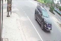 Lùi xe bất cẩn, xe sau tông thẳng đuôi