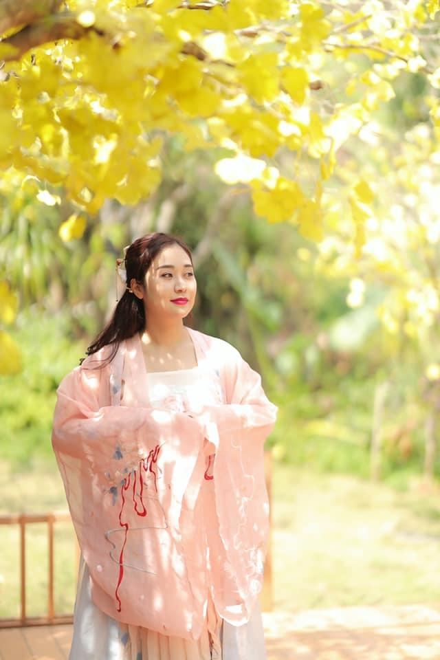 Người vợ thứ 2 trẻ trung xinh đẹp của NSND Tự Long