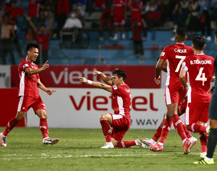 Vòng 3 V-League: HAGL thắng không 'đặc biệt', Lee Nguyễn chuốc thất vọng