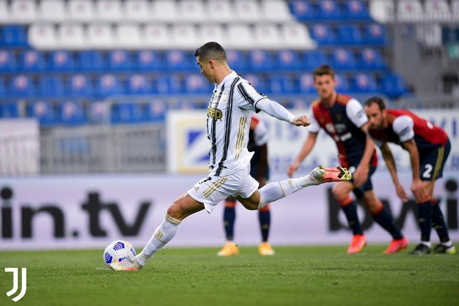 Ronaldo lập hat-trick, Juventus thắng rửa mặt