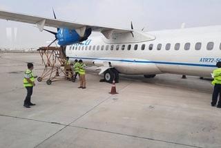 Passenger plane makes U-turn due to smoke