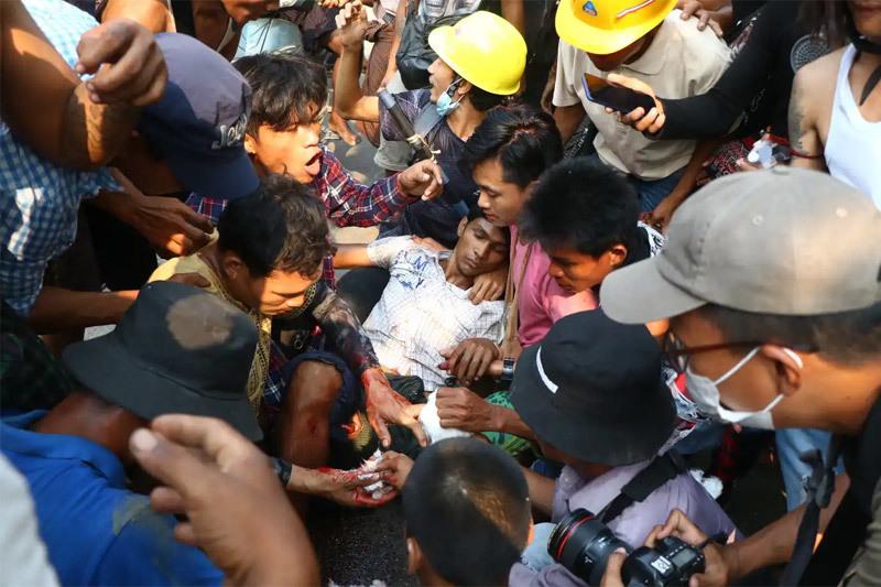 Nhiều nhà máy Trung Quốc bị thiêu rụi, Myanmar trải qua ngày đẫm máu