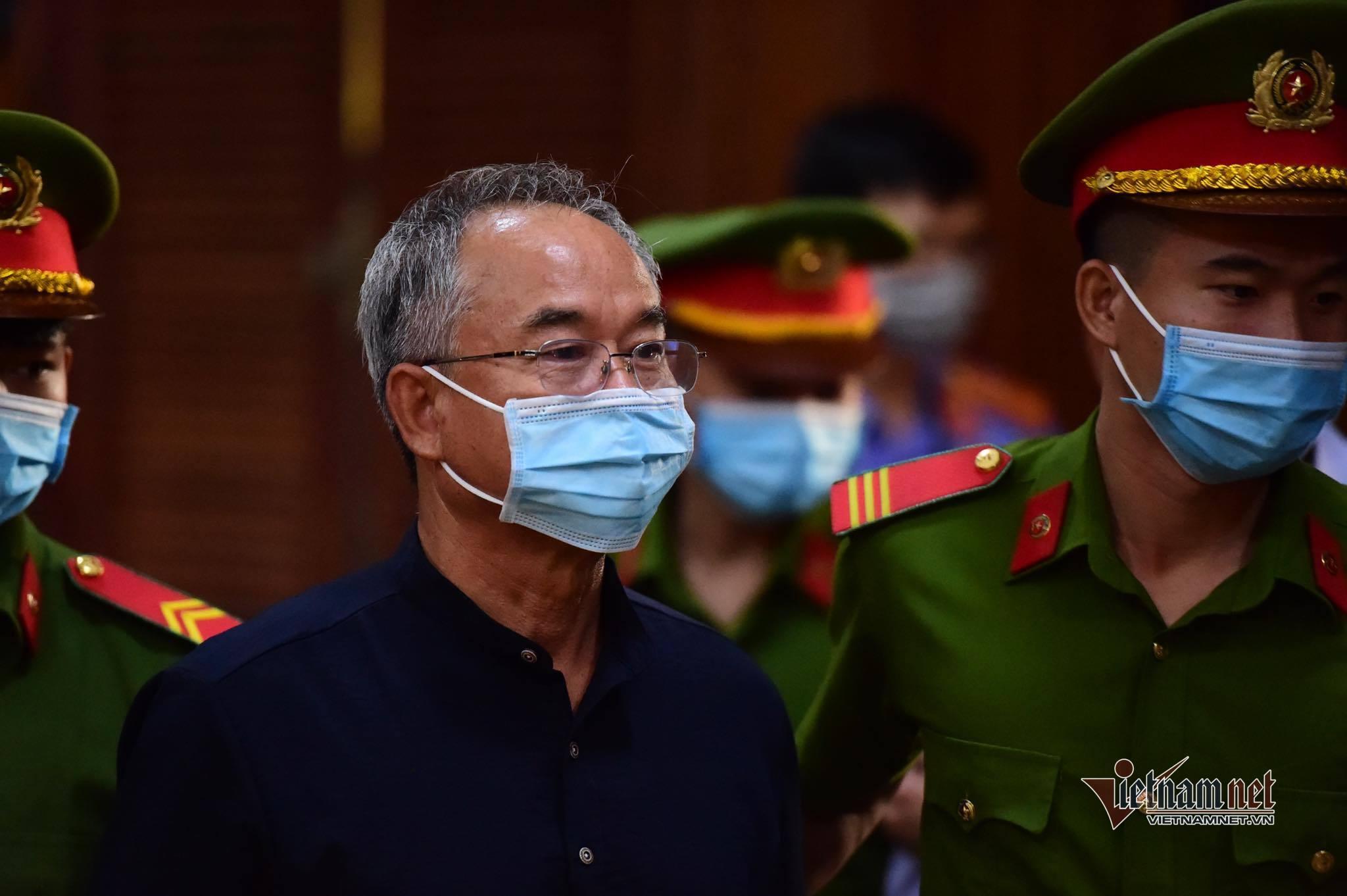 Ông Nguyễn Thành Tài hầu tòa cùng đại gia Dương Thị Bạch Diệp