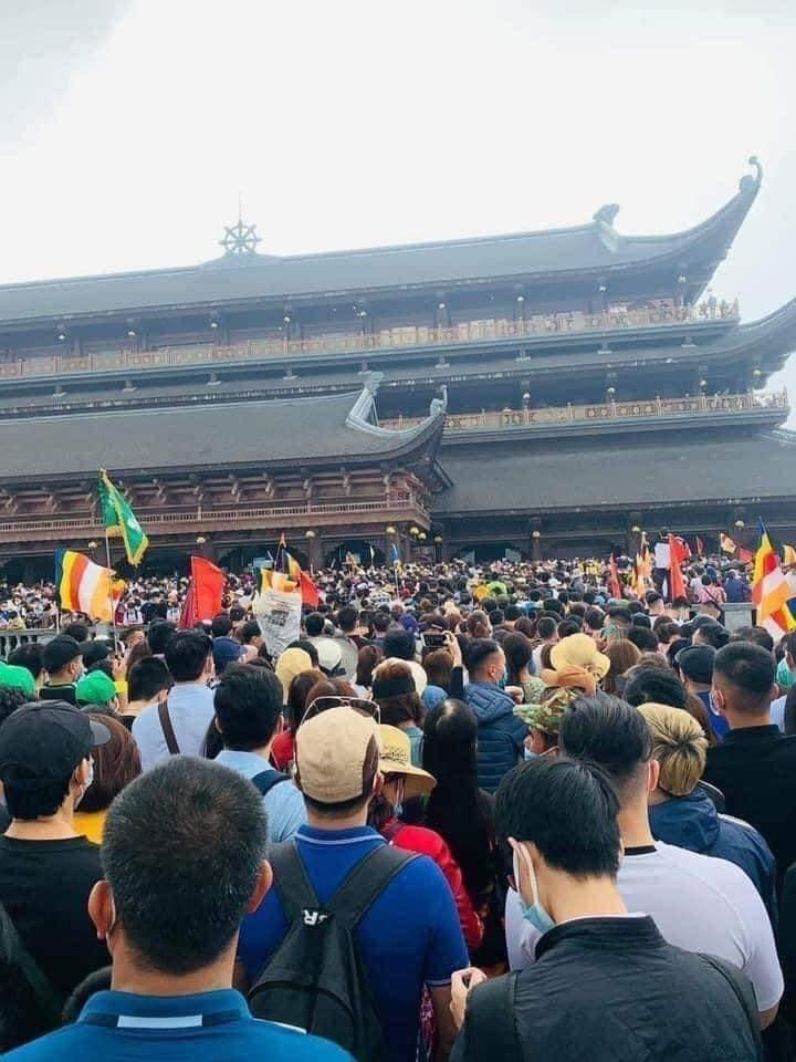 Trăm ngàn người đổ về Tam Chúc: Đừng đi chùa như việc thi đua