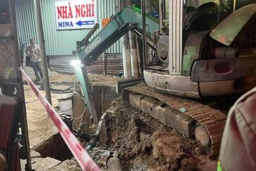 Sập đất công trình thoát nước ở Bình Dương, một công nhân tử vong