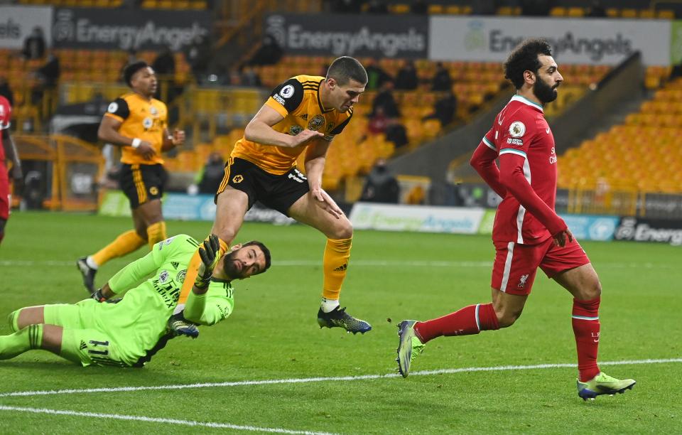 Diogo Jota xé lưới đội bóng cũ, Liverpool đả bại Wolves