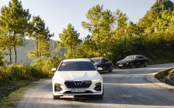 Vinfast Lux A2.0 - sedan hạng sang đắt khách tháng 2