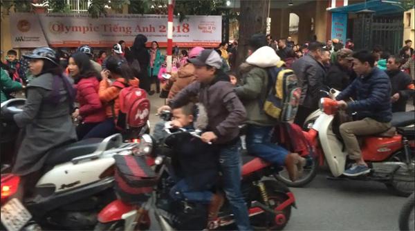 Báo Nhật chỉ ra mối nguy hại từ xe máy chạy xăng ở Việt Nam