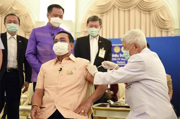 Châu Á bác bỏ lo ngại về vắc-xin AstraZeneca