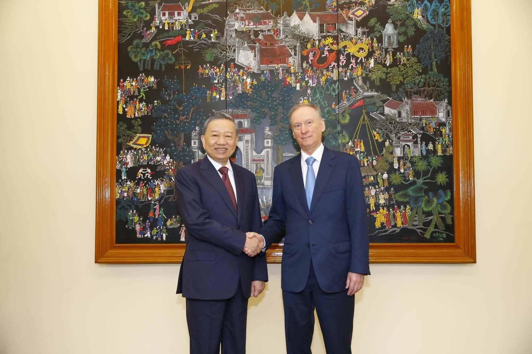 Việt Nam muốn tiếp tục hợp tác với Nga sản xuất vắc xin Covid-19