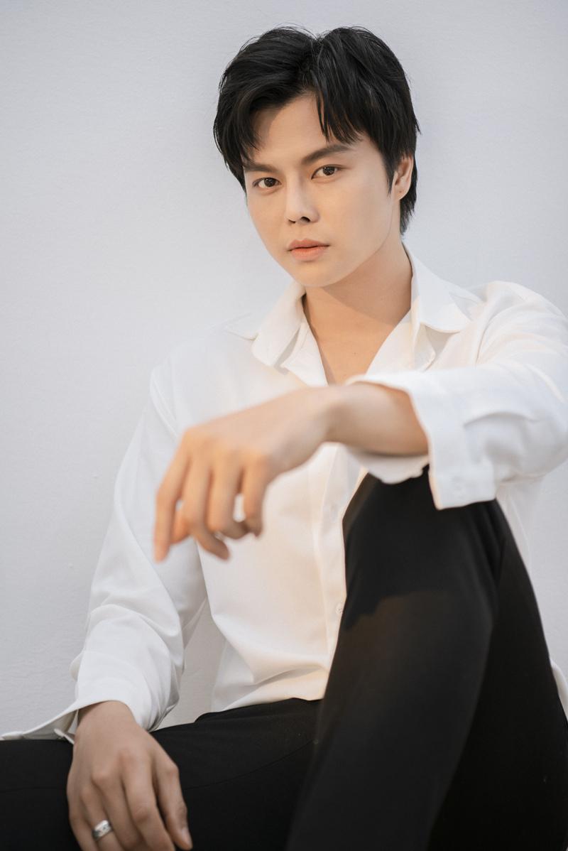 Sao trẻ cải lương cao 1m80 Võ Minh Lâm đẹp trai, cuốn hút