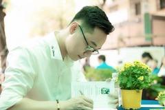 Cây bút trẻ Du Phong: 'Thơ sầu thảm khiến người đọc tổn hại tâm hồn'
