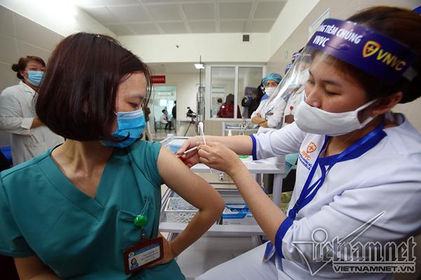 Sáng nay không ca Covid-19 mới, Việt Nam tiêm vắc xin hơn 20.000 người