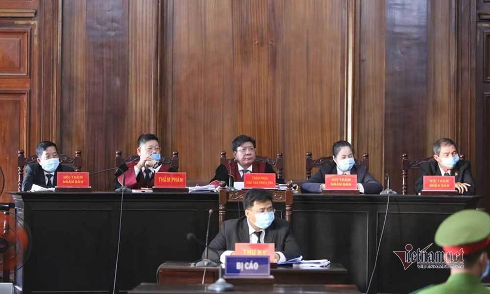 Sức khỏe đại gia Dương Thị Bạch Diệp không tốt, phiên tòa tạm dừng