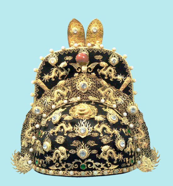 Journey to restore crowns of Nguyen emperors