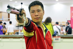 Vietnamese marksmen compete at world tournament in India