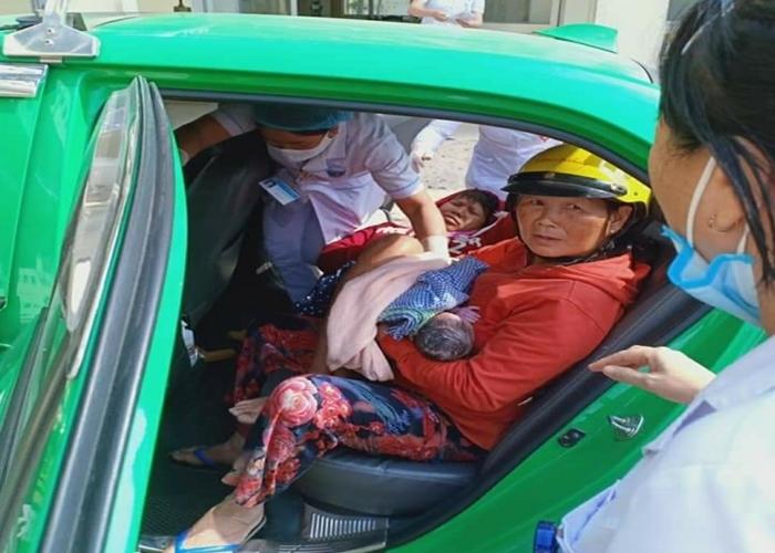 Nam tài xế taxi hỗ trợ đỡ đẻ cho một sản phụ ngay trên xe