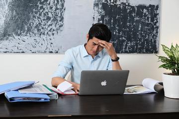 4 cách chế ngự cơn đau đầu khó chịu mùa nóng