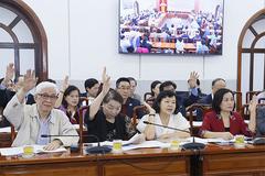 """Trung ương """"nhường"""" hai suất ĐBQH cho ngành y tế của Hà Nội, TP.HCM"""