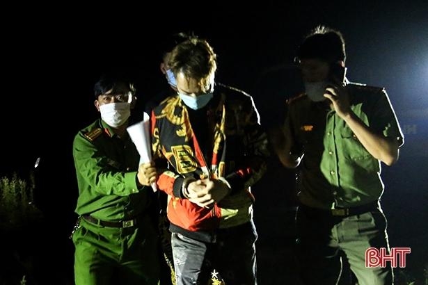 Bắt 2 đối tượng người Trung Quốc bỏ trốn khỏi khu cách ly