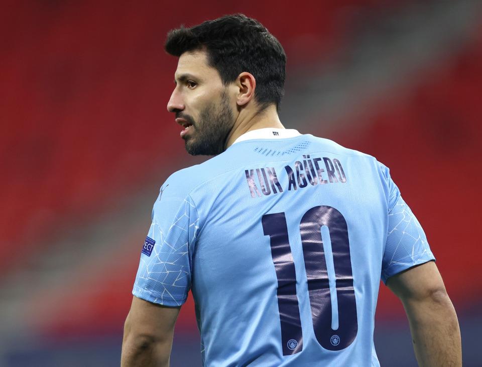 Bị Guardiola hắt hủi, Aguero sẵn sàng nhảy sang MU
