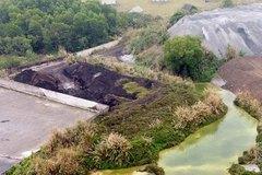 Chủ tịch tỉnh Thái Nguyên chỉ đạo khẩn vụ núi chất thải nguy hại lộ thiên