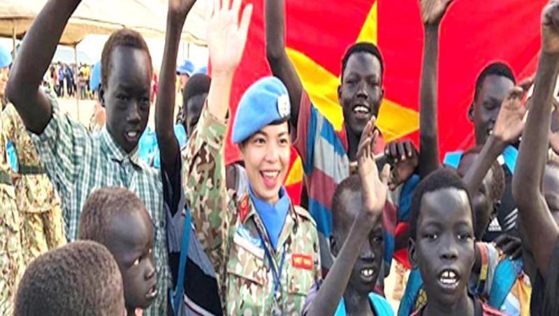 Tướng Vịnh: Để màu cờ Việt Nam phủ rộng trên bản đồ gìn giữ hòa bình
