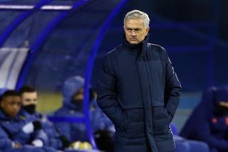 Mourinho mắng cầu thủ Tottenham, khen ngợi đối thủ