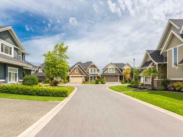 Chuyên gia tài chính: Mua nhà không ở trong 5 năm tốt nhất đi thuê