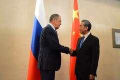 Trung Quốc mời Nga đến họp sau thượng đỉnh nảy lửa với Mỹ