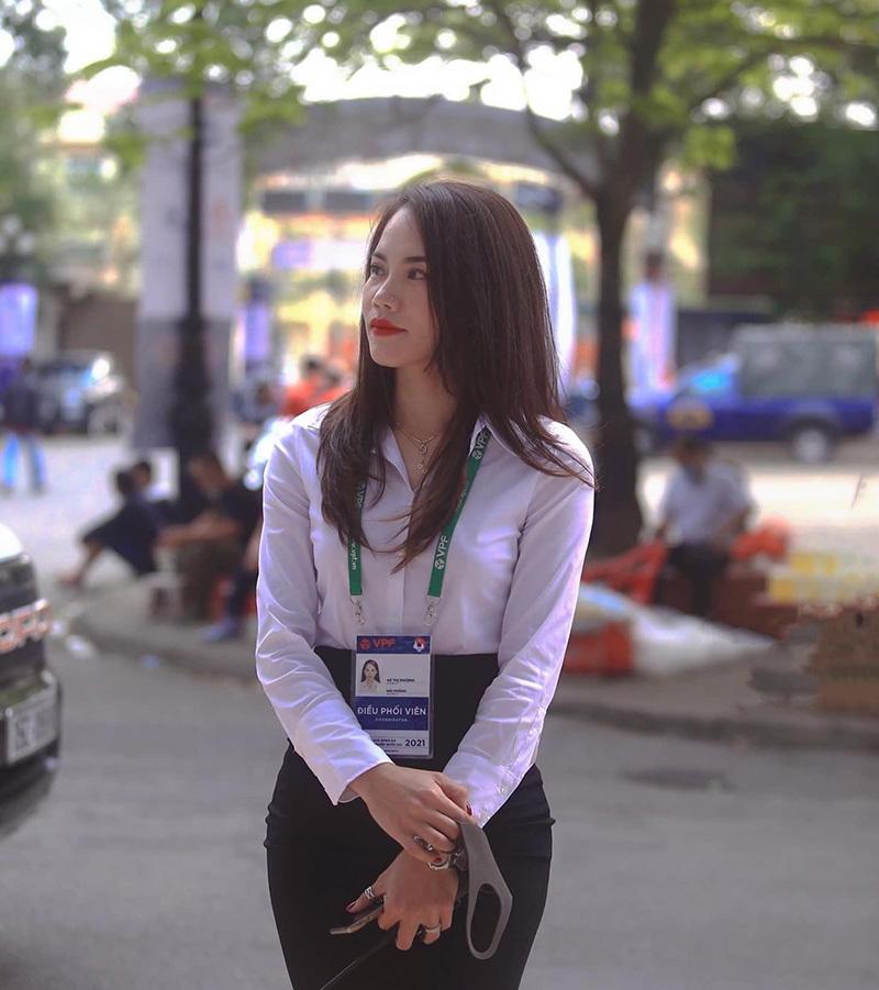 Vẻ đẹp gây sốt của nữ trọng tài Hà Thị Phượng