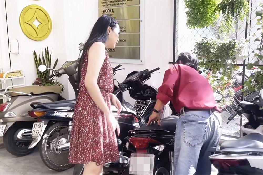 Sức khỏe Thương Tín yếu, ngã xe máy vì di chứng hậu đột quỵ