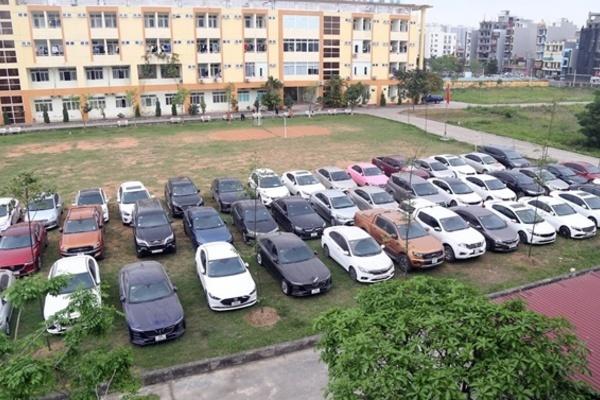 Bắt nhóm người làm giả giấy tờ, chiếm đoạt 71 ô tô