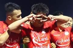 Lee Nguyễn ghi bàn phút 99, TP.HCM thắng derby siêu kịch tính