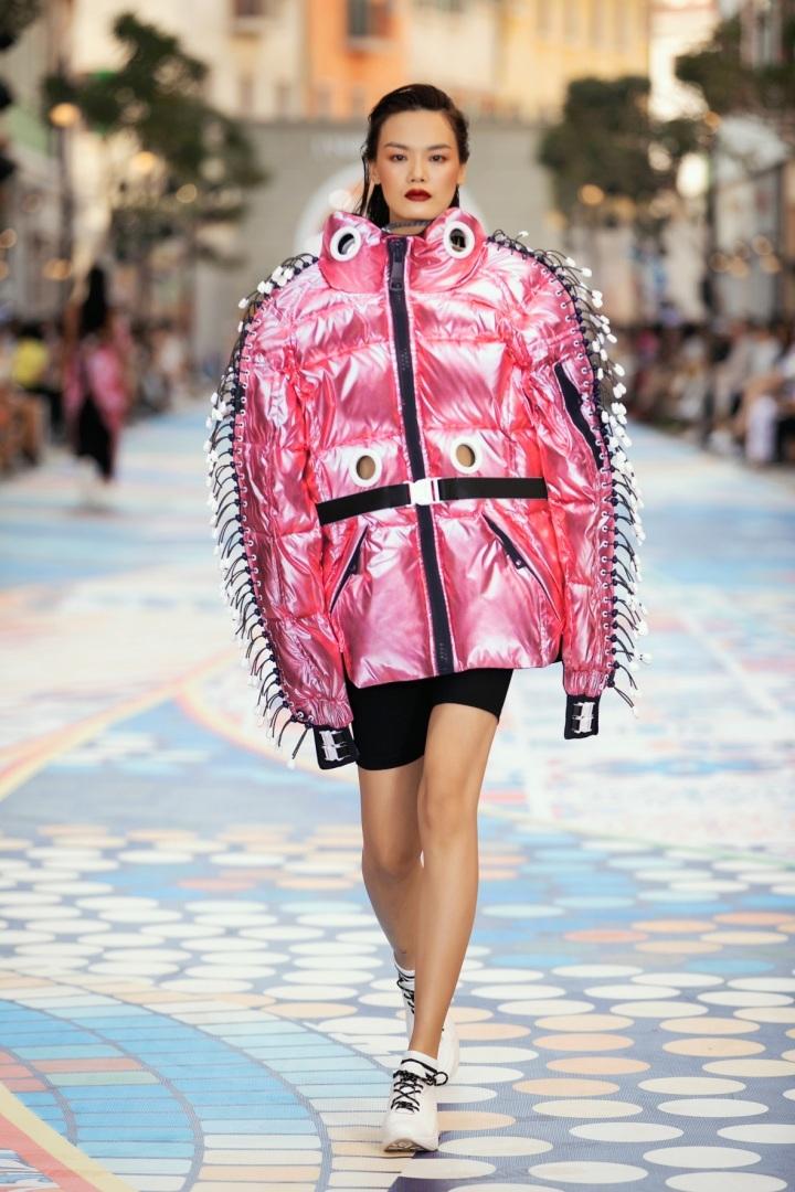 Dàn sao trên thảm đỏ Fashion Voyage